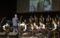Öğretmenler öğrencileri ile sahnede