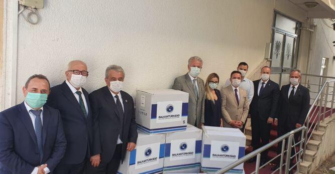 Bursa'dan Arnavutluk'a 20.000 Maske