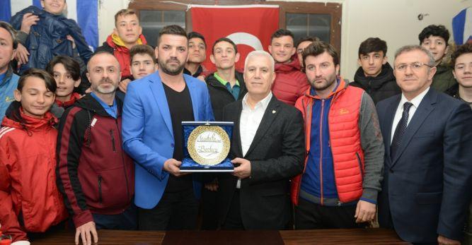 Bozbey'den amatör spor kulüplerine destek sözü