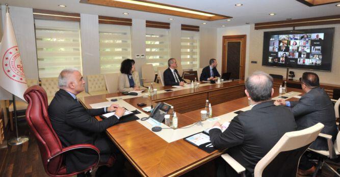 Bakan Mehmet Nuri Ersoy BTSO Turizm Konseyi Üyeleriyle Bir Araya Geldi