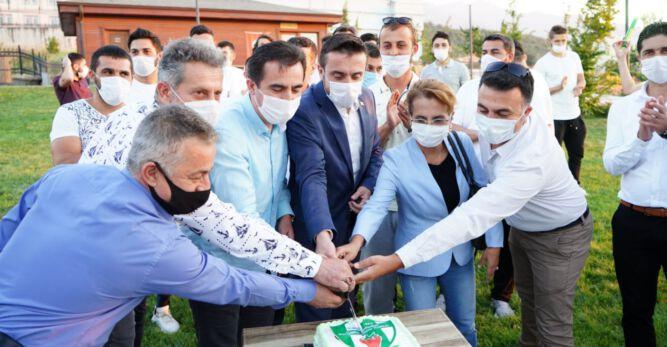 Başkan Tanır, Şampiyonluk Pastasını Kesti