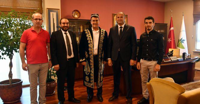 Özbek İş Dünyasından Dündar'a Ziyaret