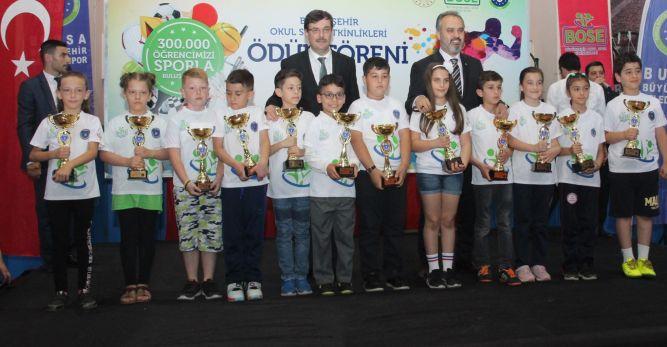 Bursa'da 306 Bin Öğrenci Sporla Buluştu